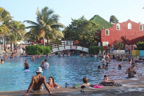 Oasis - pool