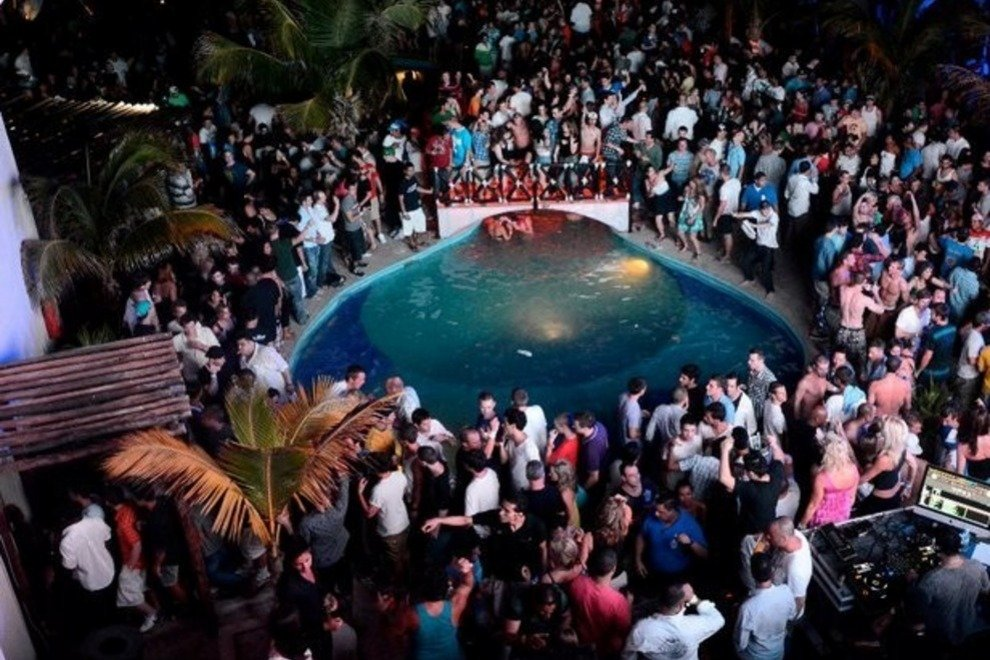 The Perfect Place for Your Spring Break - entertainment