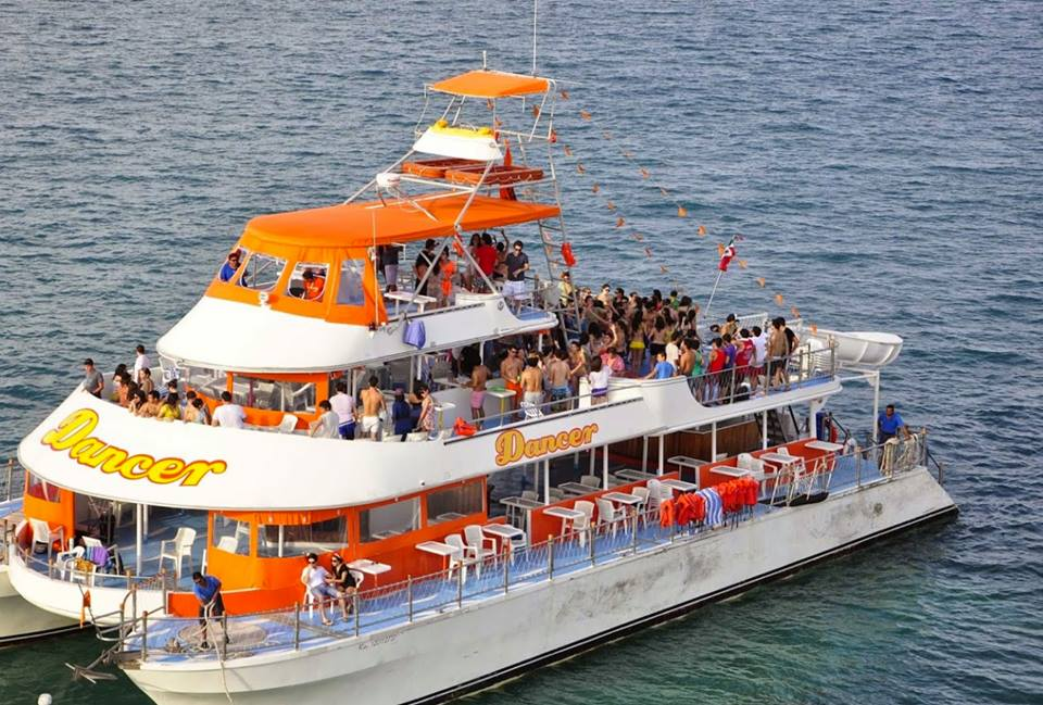 Cancun Spring Break Booze Cruise Go Blue Tours