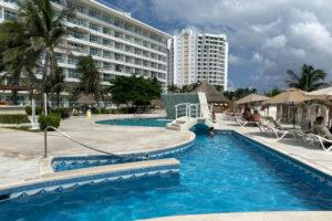 cancun hotel poolside