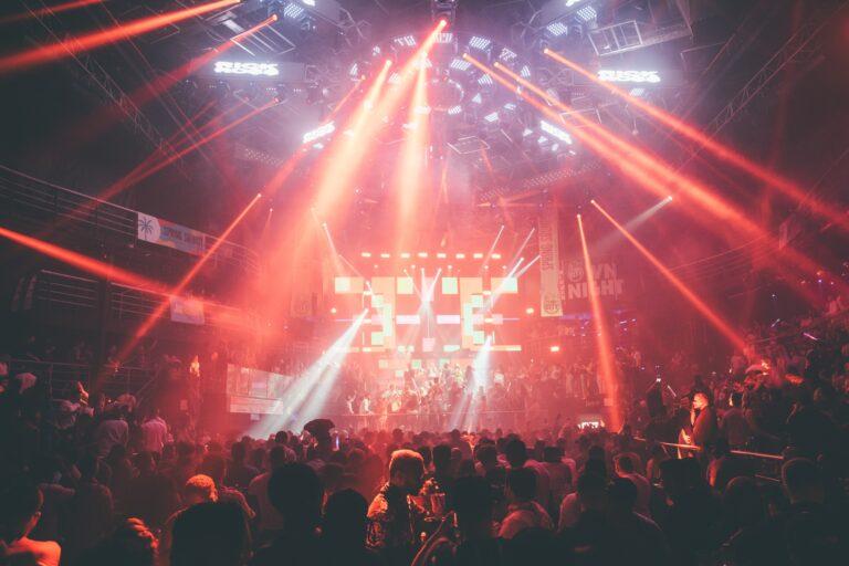 nightclub lights crowd